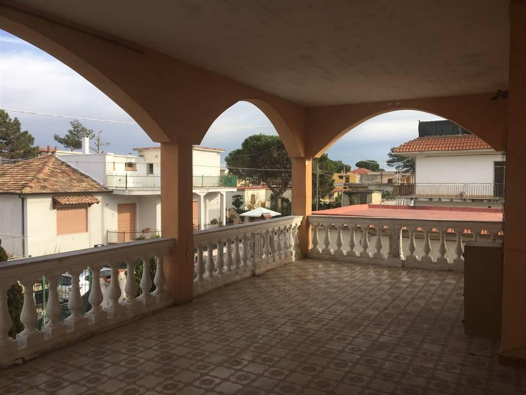 Villa Bifamiliare in vendita a Castel Volturno, 7 locali, zona Località: DESTRA VOLTURNO, prezzo € 42.000 | Cambio Casa.it