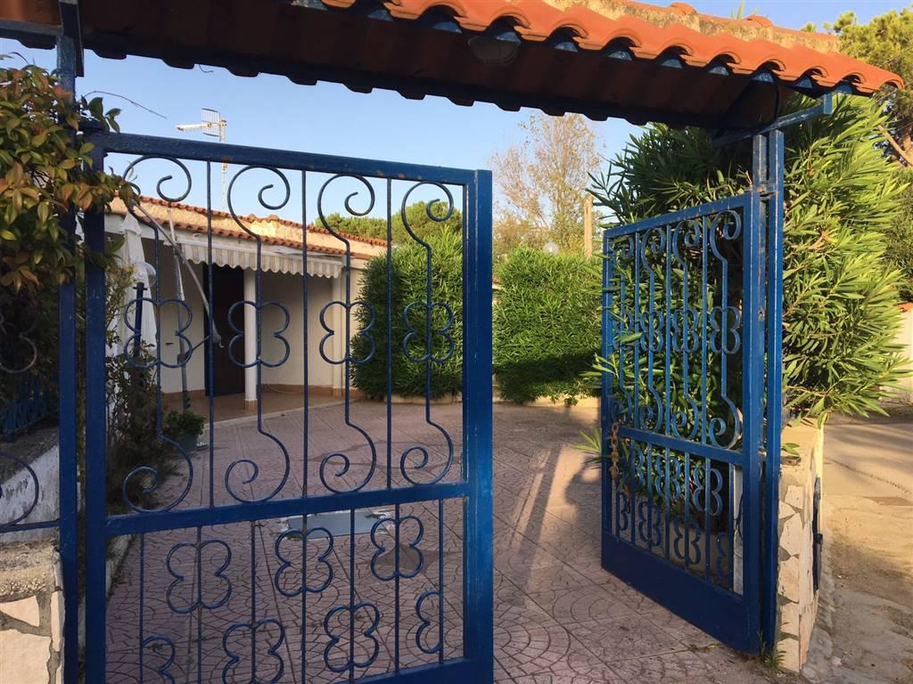 Villa in vendita a Castel Volturno, 2 locali, zona Località: BAIA VERDE/PINETA GRANDE, prezzo € 45.000 | Cambio Casa.it