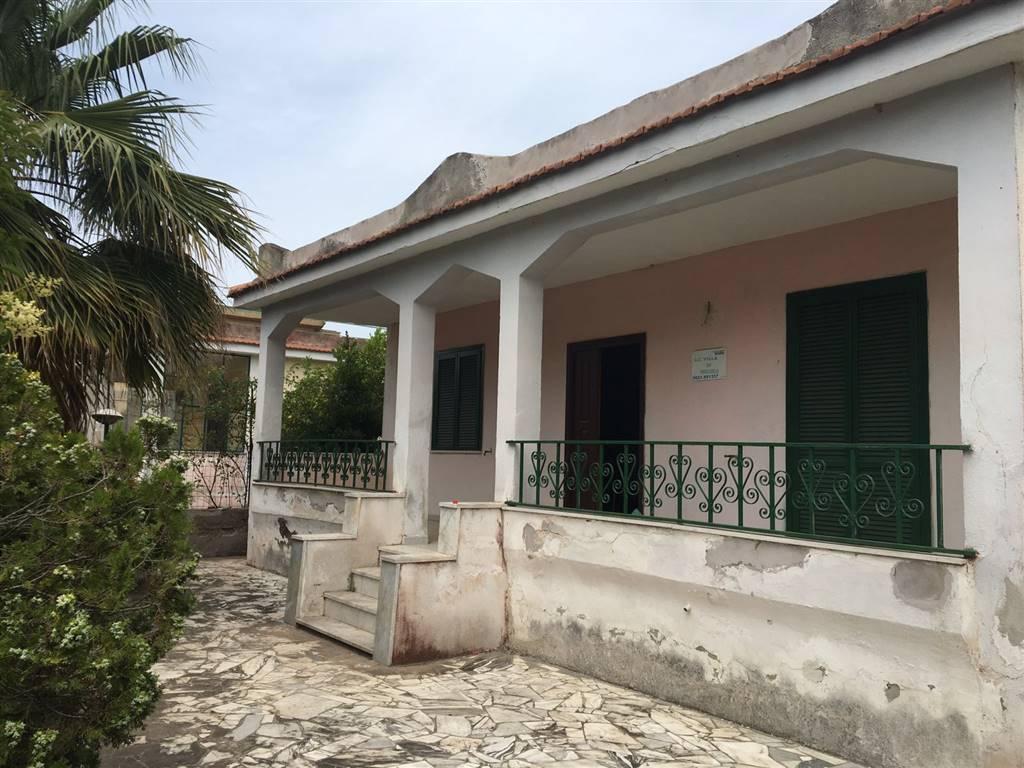 Villa in vendita a Castel Volturno, 3 locali, zona Località: DESTRA VOLTURNO, prezzo € 32.000 | Cambio Casa.it