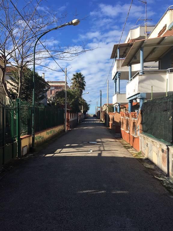 Appartamento in vendita a Castel Volturno, 5 locali, zona Località: DESTRA VOLTURNO, prezzo € 40.000 | Cambio Casa.it