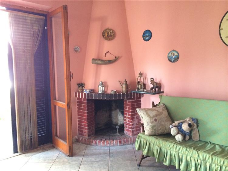 Soluzione Indipendente in vendita a Castel Volturno, 3 locali, zona Località: BAIA VERDE/PINETA GRANDE, prezzo € 62.000 | CambioCasa.it
