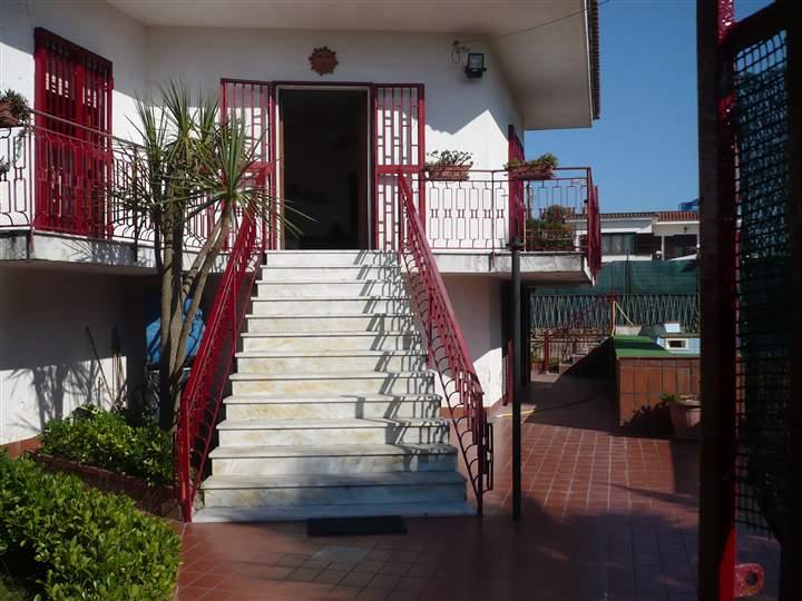 Villa in vendita a Castel Volturno, 4 locali, zona Località: BAIA VERDE/PINETA GRANDE, prezzo € 90.000 | Cambio Casa.it