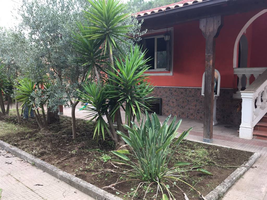 Villa in vendita a Castel Volturno, 4 locali, zona Località: BAIA VERDE/PINETA GRANDE, prezzo € 95.000 | Cambio Casa.it