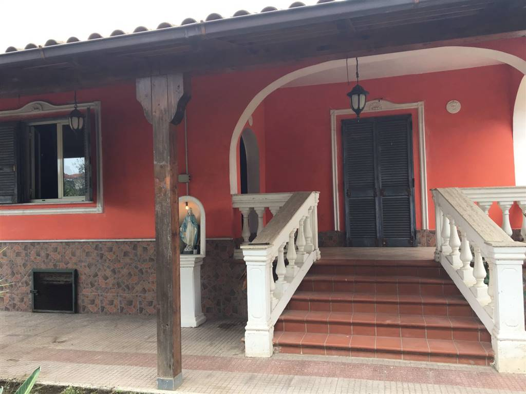 Villa in vendita a Castel Volturno, 4 locali, zona Località: BAIA VERDE/PINETA GRANDE, prezzo € 105.000 | Cambio Casa.it