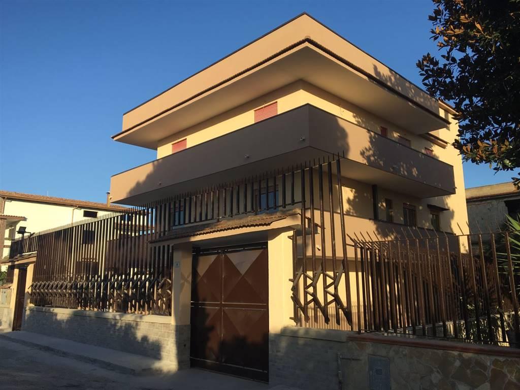 Appartamento in affitto a Castel Volturno, 2 locali, zona Località: DOMIZIANA DA SCATOZZA A PINETAMARE, prezzo € 300 | CambioCasa.it