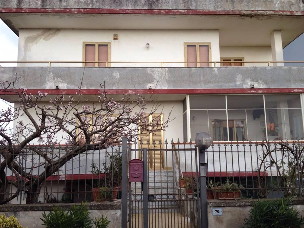 Villa in vendita a Castel Volturno, 3 locali, zona Località: DOMIZIANA DA SCATOZZA A PINETAMARE, prezzo € 65.000 | Cambio Casa.it