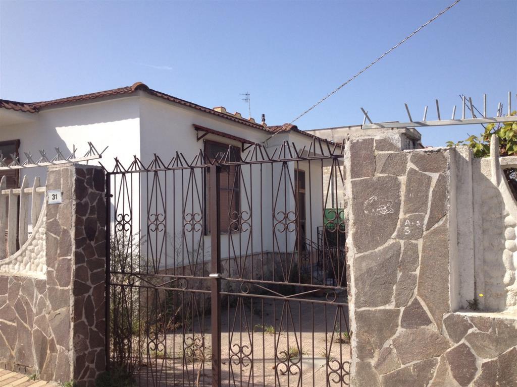 Villa in vendita a Castel Volturno, 3 locali, zona Località: DESTRA VOLTURNO, prezzo € 35.000 | Cambio Casa.it