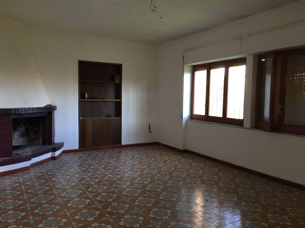 Villa in vendita a Castel Volturno, 5 locali, zona Località: BAIA VERDE/PINETA GRANDE, prezzo € 69.000 | CambioCasa.it