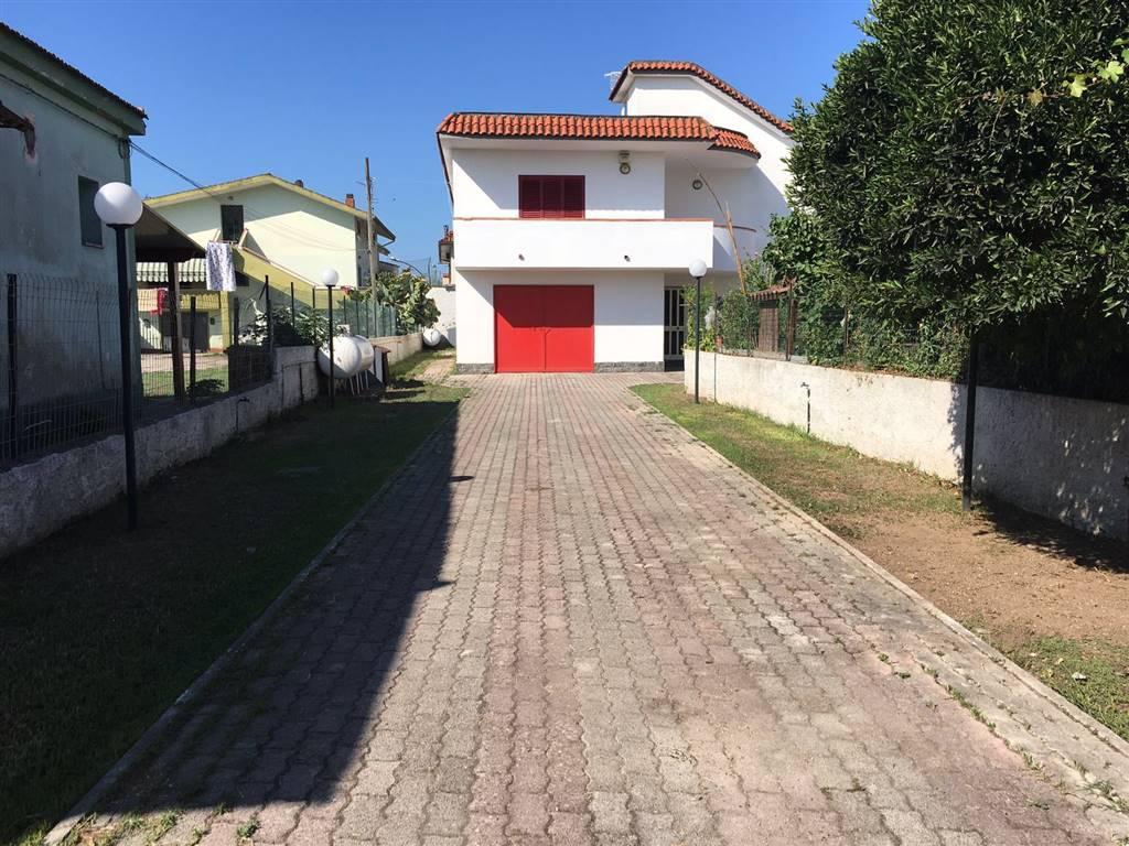Villa in affitto a Castel Volturno, 4 locali, prezzo € 450 | Cambio Casa.it
