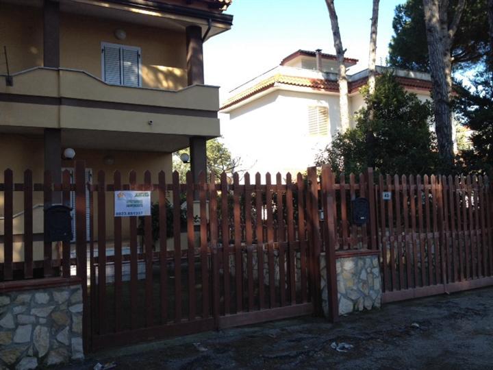 Soluzione Indipendente in Affitto a Castel Volturno