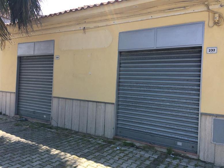 Negozio / Locale in affitto a Castel Volturno, 1 locali, zona Località: BAIA VERDE/PINETA GRANDE, prezzo € 300 | Cambio Casa.it