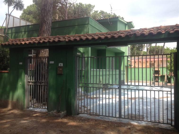 Villa in vendita a Castel Volturno, 5 locali, zona Località: BAIA VERDE/PINETA GRANDE, prezzo € 55.000 | CambioCasa.it