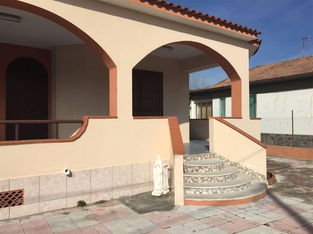 Villa In Affitto Castelvolturno