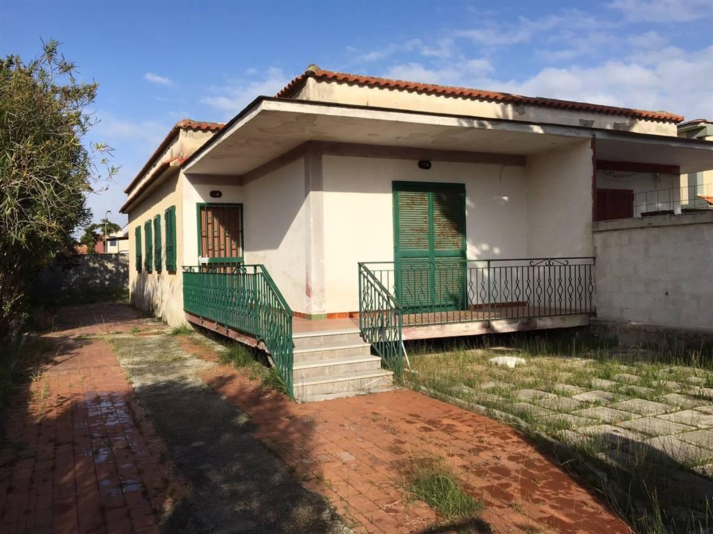 Villa in vendita a Castel Volturno, 4 locali, zona Località: BAIA VERDE/PINETA GRANDE, prezzo € 40.000 | Cambio Casa.it