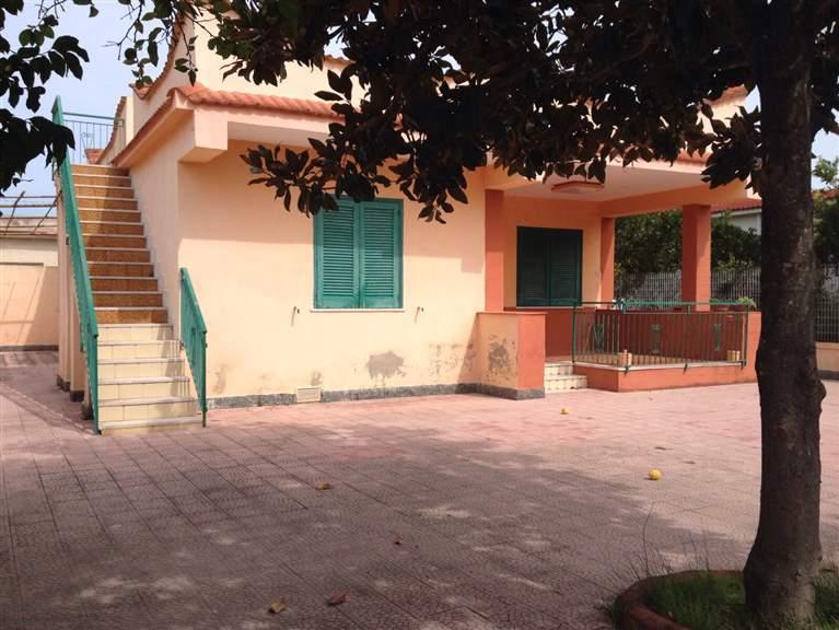 Villa in vendita a Castel Volturno, 3 locali, zona Località: DESTRA VOLTURNO, prezzo € 33.000 | Cambio Casa.it