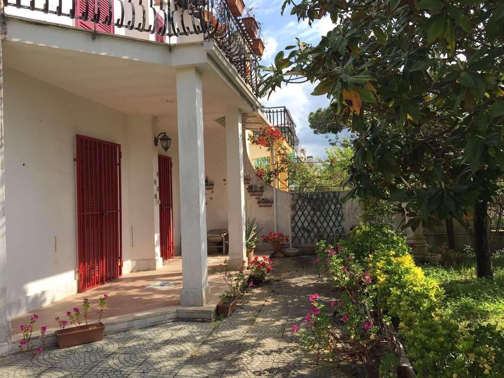 Villa in vendita a Castel Volturno, 4 locali, zona Località: BAIA VERDE/PINETA GRANDE, prezzo € 78.000 | Cambio Casa.it