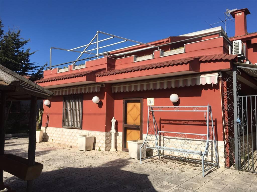 Villa in vendita a Castel Volturno, 6 locali, zona Località: BAIA VERDE/PINETA GRANDE, prezzo € 85.000 | CambioCasa.it