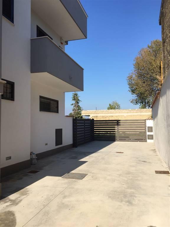 Appartamento in affitto a Castel Volturno, 3 locali, zona Località: DOMIZIANA DA SCATOZZA A PINETAMARE, prezzo € 400 | Cambio Casa.it