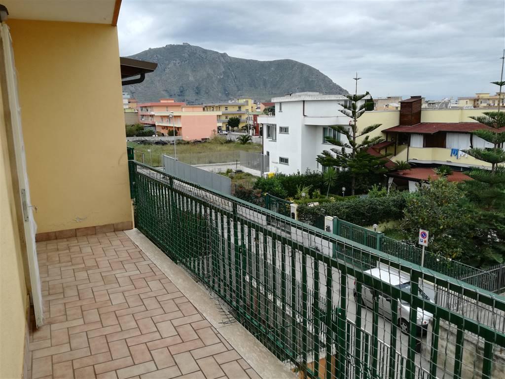 Appartamento in vendita a Mondragone, 3 locali, prezzo € 110.000 | CambioCasa.it