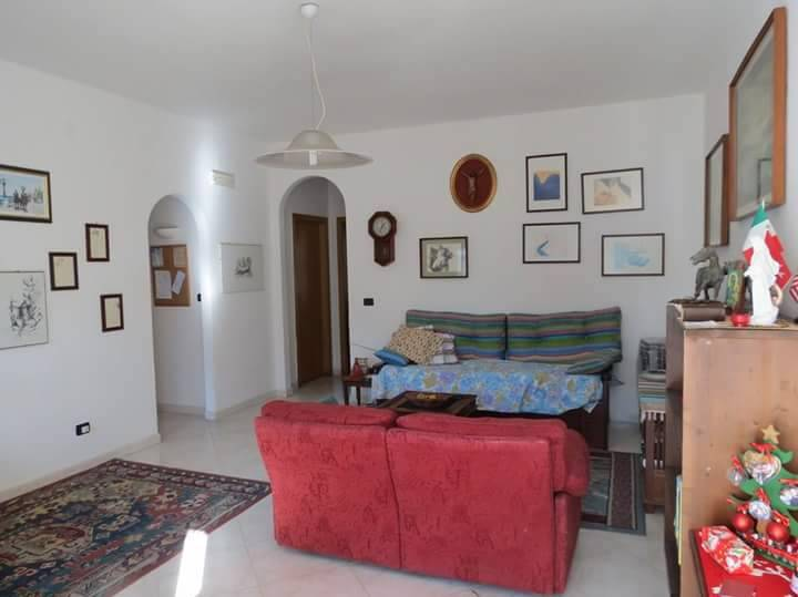 Appartamento in vendita a Castel Volturno, 3 locali, zona Località: BAIA VERDE/PINETA GRANDE, prezzo € 39.000 | CambioCasa.it
