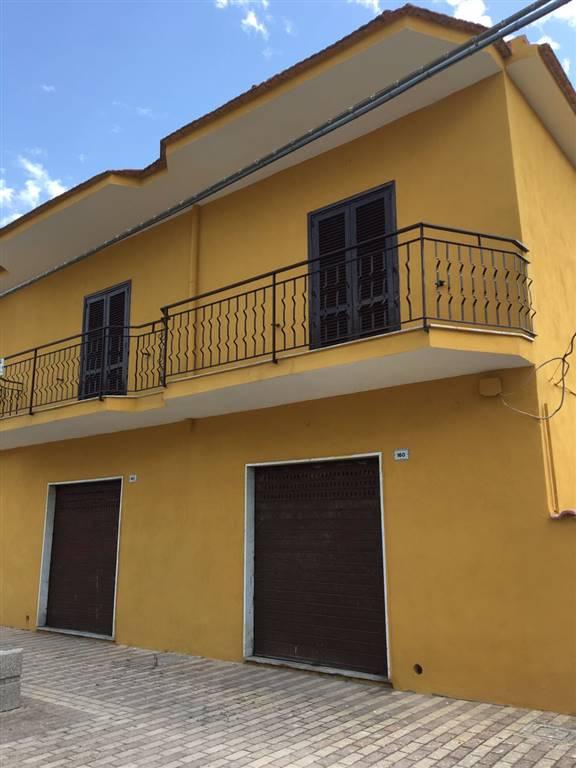Palazzo / Stabile in vendita a Castel Volturno, 8 locali, zona Località: DESTRA VOLTURNO, prezzo € 55.000 | CambioCasa.it