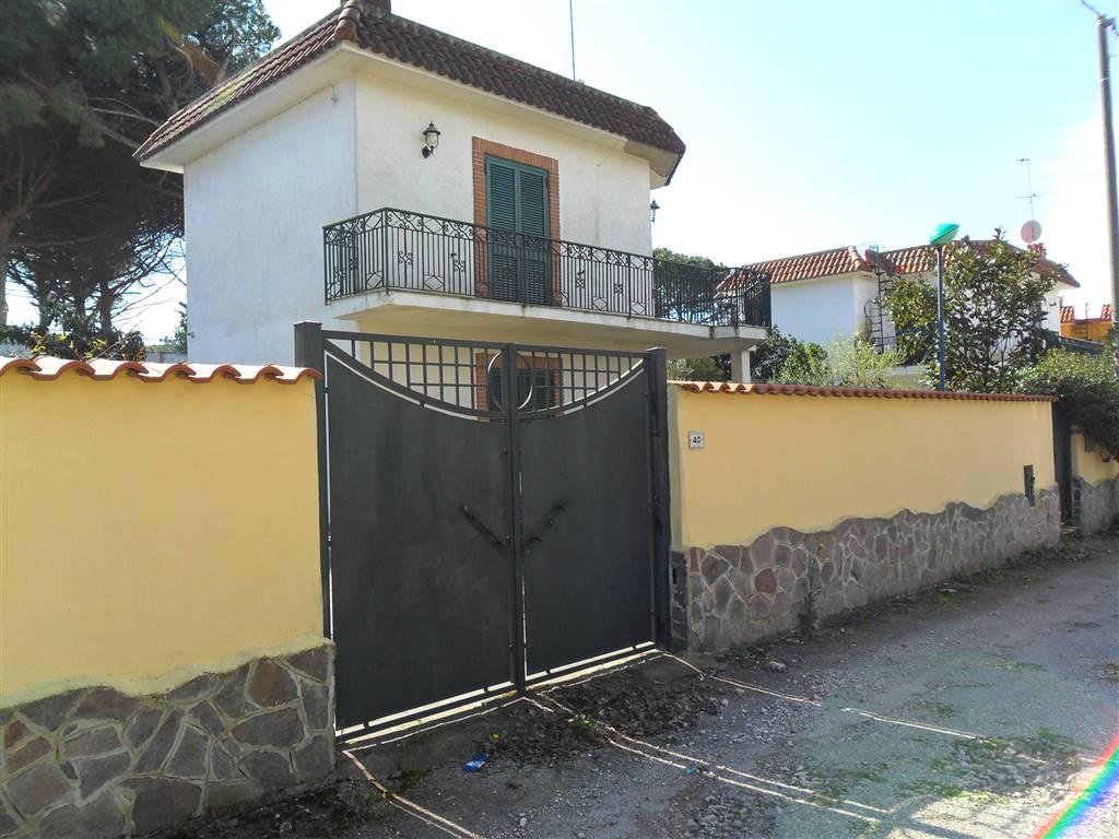 Villa in Affitto a Castel Volturno