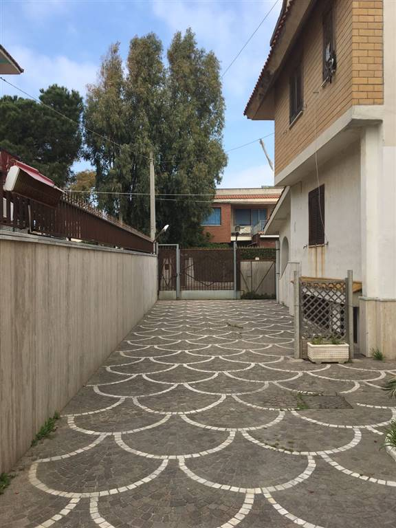 Villa in affitto a Castel Volturno, 4 locali, zona Zona: Ischitella Lido, prezzo € 370 | Cambio Casa.it