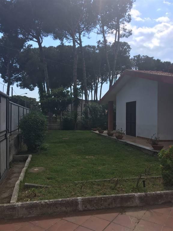 Villa in vendita a Castel Volturno, 4 locali, zona Località: BAIA VERDE/PINETA GRANDE, prezzo € 75.000 | CambioCasa.it