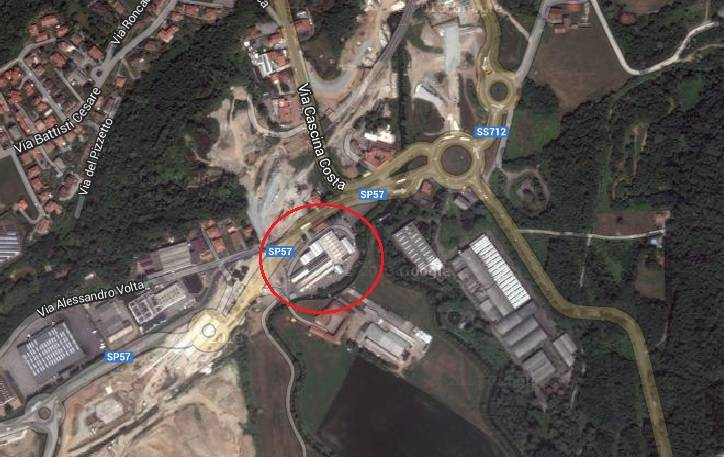 Capannone in affitto a Lozza, 9999 locali, Trattative riservate | Cambio Casa.it
