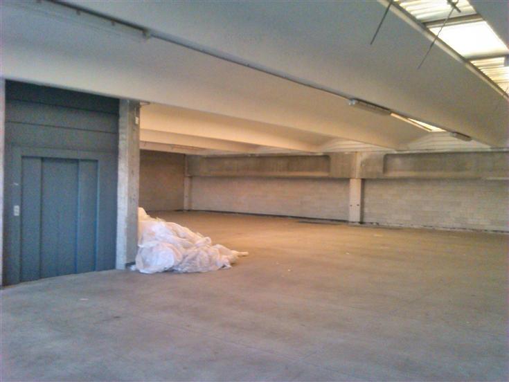 Capannone in vendita a Besana in Brianza, 9999 locali, prezzo € 800.000 | Cambio Casa.it