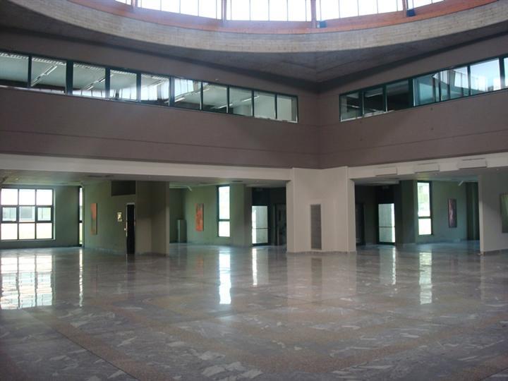 Palazzo / Stabile in affitto a Agrate Brianza, 9999 locali, prezzo € 13.750 | Cambio Casa.it