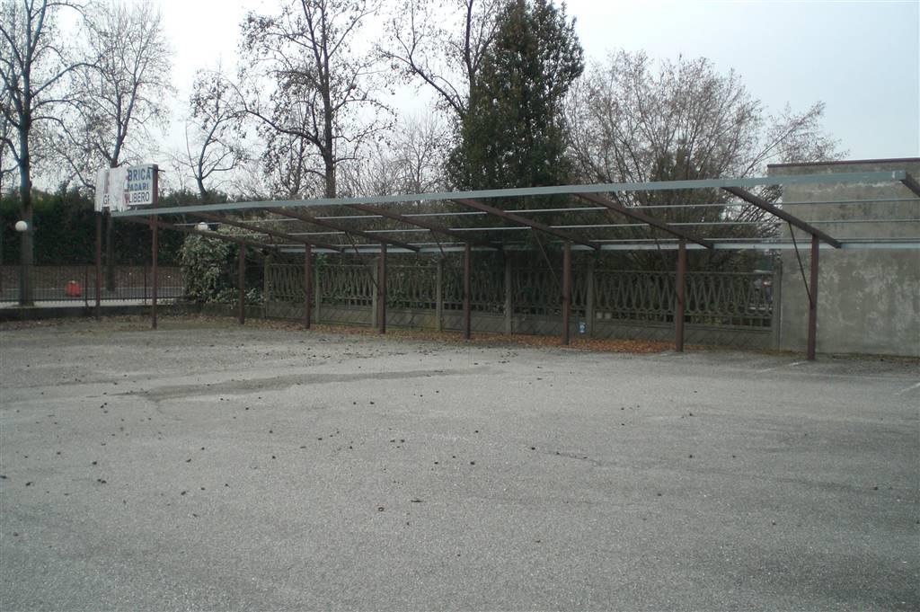 Immobile Commerciale in vendita a Nova Milanese, 9999 locali, Trattative riservate | Cambio Casa.it