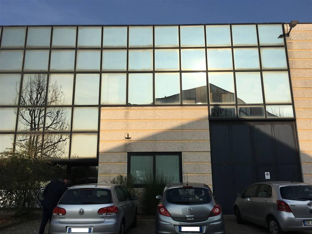 Capannone in vendita a Arese, 9999 locali, prezzo € 1.400.000 | Cambio Casa.it
