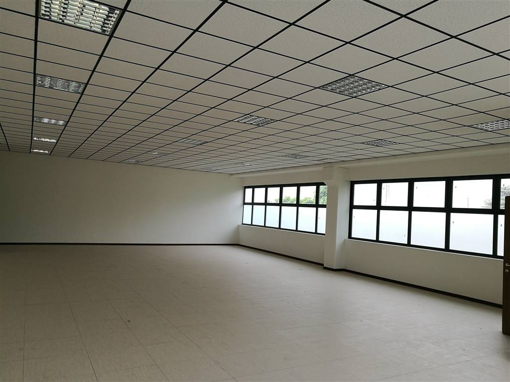 Laboratorio in vendita a Cavenago di Brianza, 9999 locali, Trattative riservate | CambioCasa.it