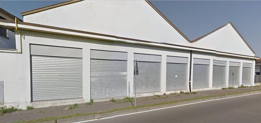Negozio / Locale in affitto a Monza, 9999 locali, zona Località: BUONARROTI, prezzo € 6.700   CambioCasa.it