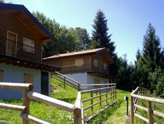 Villa in vendita a Selvino, 5 locali, prezzo € 125.000 | CambioCasa.it