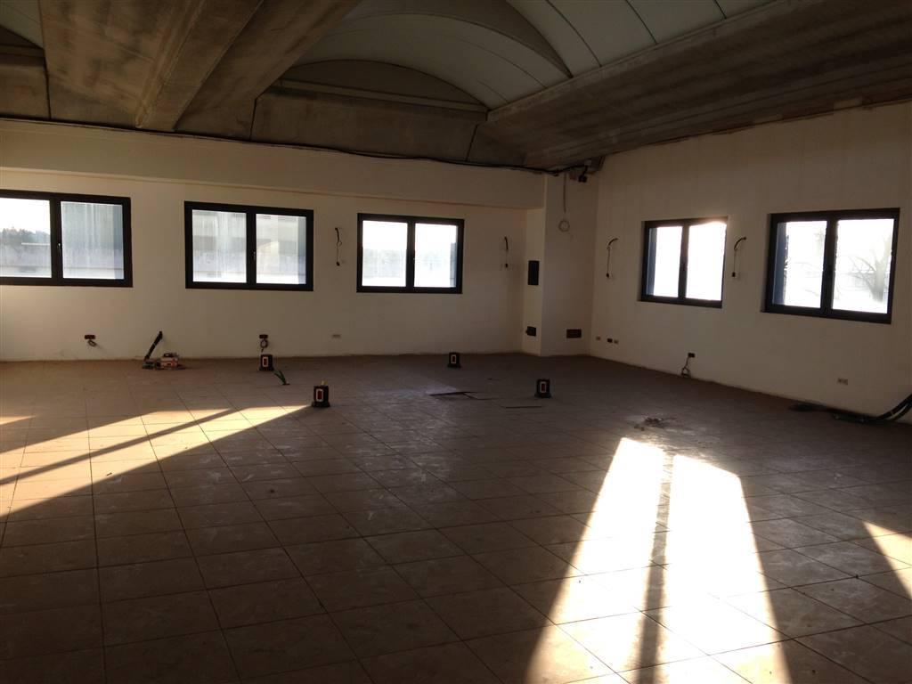 Laboratorio in affitto a Cernusco sul Naviglio, 9999 locali, prezzo € 1.200 | CambioCasa.it