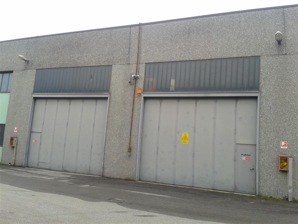Affitto capannone industriale mezzago rif ri a000523 for Affitto capannone