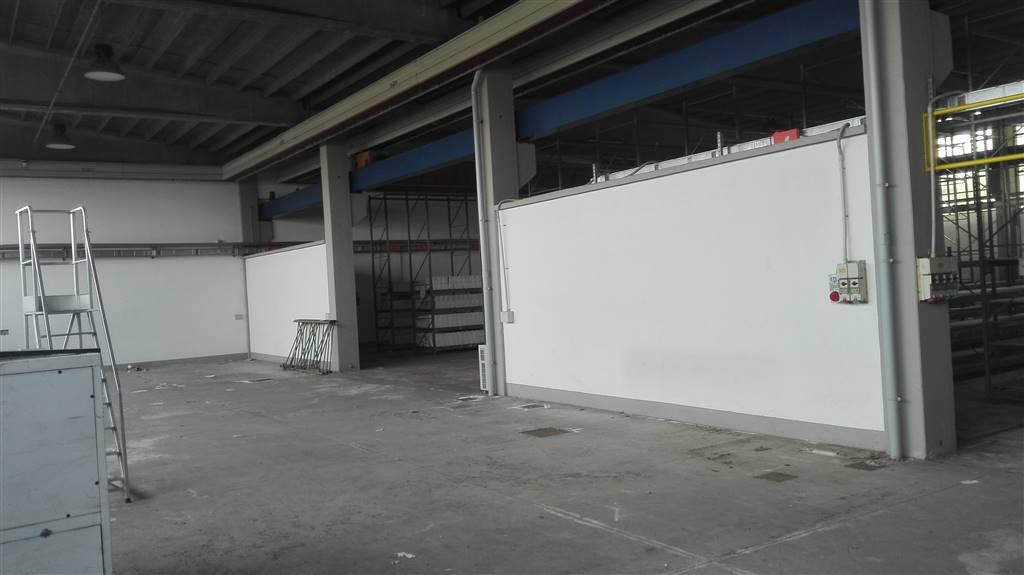 Capannone in vendita a Vimercate, 9999 locali, zona Zona: Ruginello, Trattative riservate | Cambio Casa.it