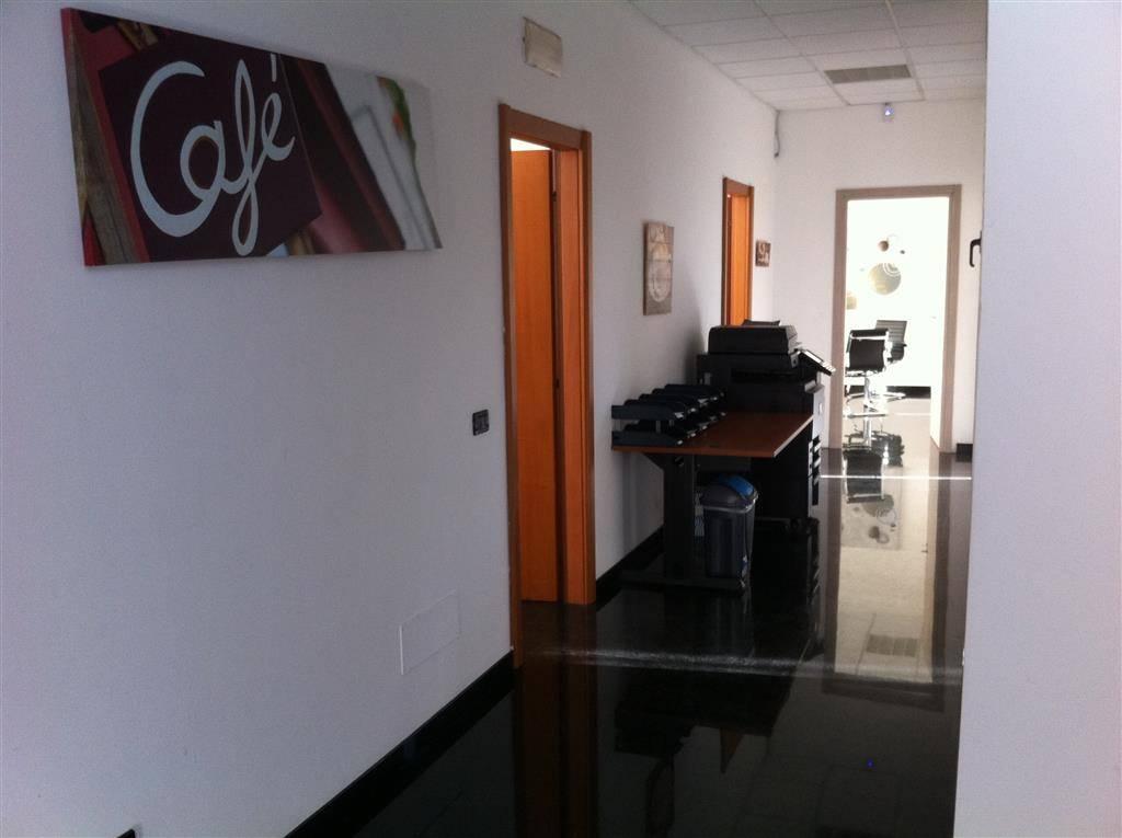 Capannone in vendita a Agrate Brianza, 9999 locali, prezzo € 580.000 | CambioCasa.it