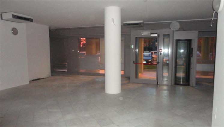 Negozio / Locale in affitto a Scandicci, 1 locali, prezzo € 1.400 | Cambio Casa.it