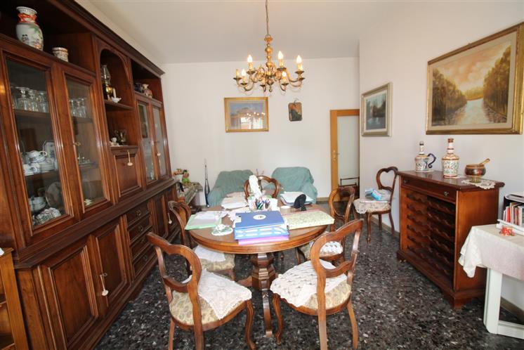 Appartamento in vendita a Scandicci, 4 locali, zona Località: CENTRO, prezzo € 229.000 | Cambio Casa.it