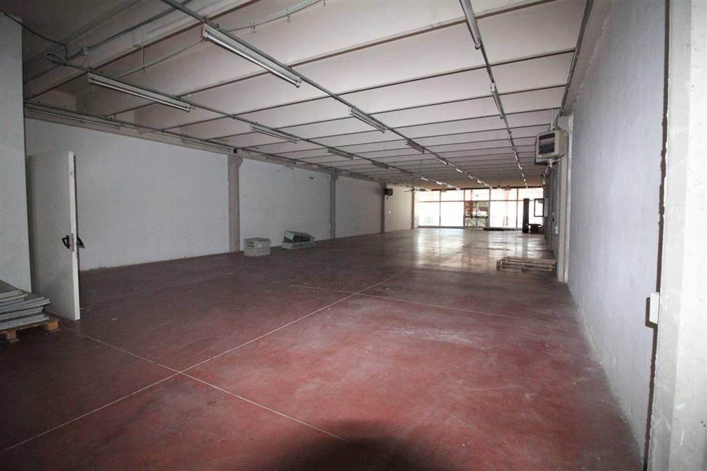 Magazzino in affitto a Sesto Fiorentino, 5 locali, zona Zona: Osmannoro, prezzo € 4.400 | Cambio Casa.it