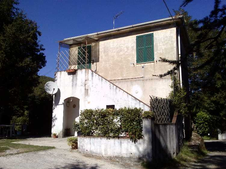 Soluzione Indipendente in vendita a Ortonovo, 4 locali, zona Zona: Casano, prezzo € 230.000 | Cambio Casa.it