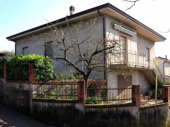 Soluzione Indipendente in vendita a Santo Stefano di Magra, 8 locali, zona Zona: Ponzano Belaso, prezzo € 390.000 | Cambio Casa.it