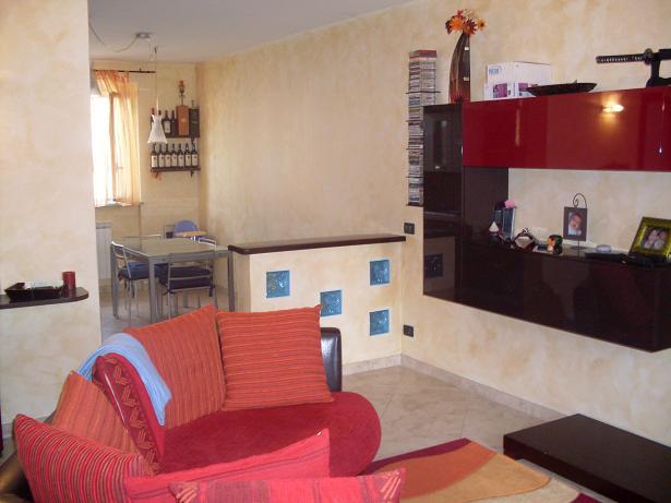 Soluzione Indipendente in vendita a Bolano, 4 locali, zona Zona: Ceparana, prezzo € 195.000 | Cambio Casa.it