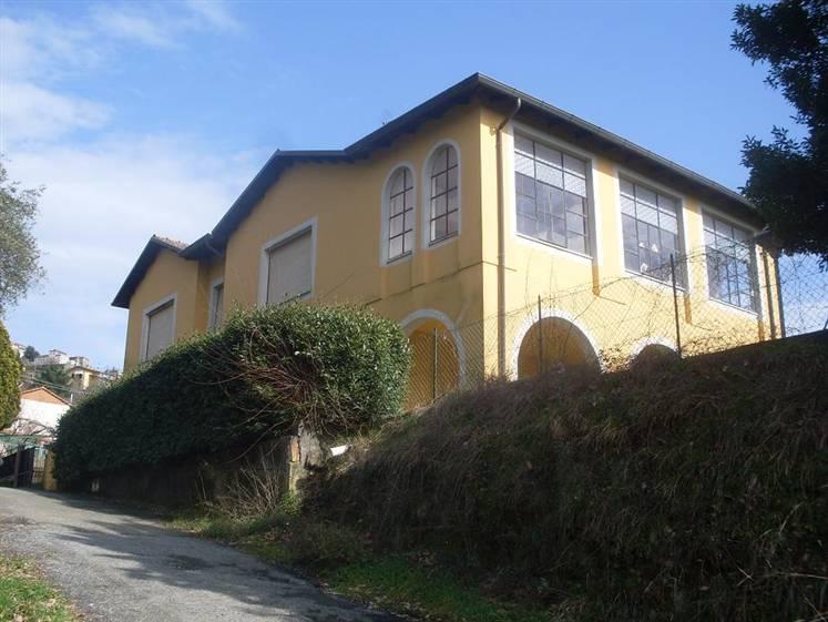 Soluzione Indipendente in vendita a Bolano, 6 locali, zona Zona: Ceparana, prezzo € 270.000 | Cambio Casa.it