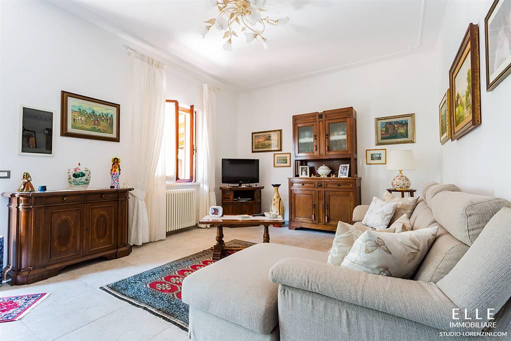 Villa in vendita a Carrara, 5 locali, zona Zona: Marina di Carrara, prezzo € 450.000 | Cambio Casa.it