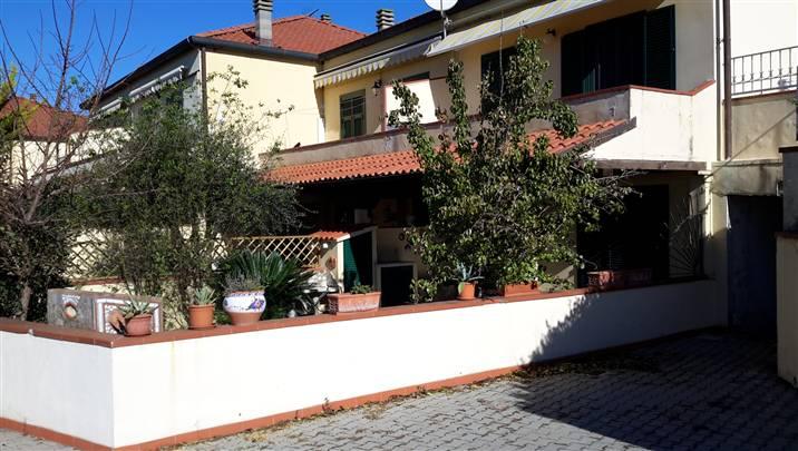 Soluzione Indipendente in vendita a Ameglia, 4 locali, prezzo € 250.000 | Cambio Casa.it