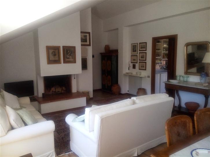 Appartamento in vendita a Ortonovo, 5 locali, zona Zona: Casano, prezzo € 220.000   Cambio Casa.it